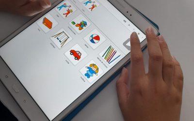 """ASPACE Cáceres con el proyecto """"Dame Voz""""  crea un banco de dispositivos de comunicación."""
